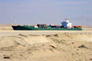 Informatiebijeenkomsten vrachtschip met veel containers