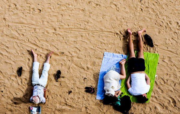 Stressloos op het strand liggen